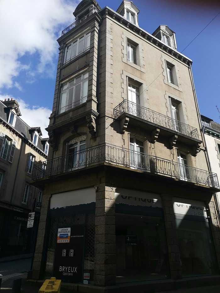 Diagnostic amiante avant travaux réalisé - immeuble du centre ville de St Brieuc 0